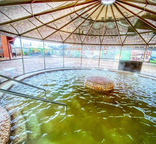джакузі-під-куполом