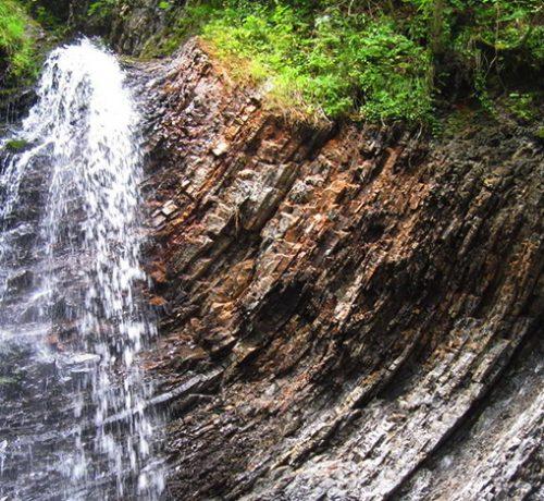 zhenetskyj-vodospad-huk-3